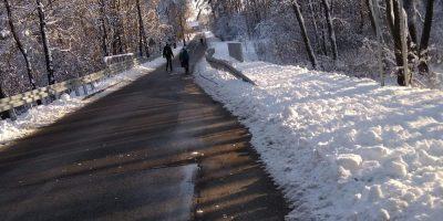 Problem z nieodśnieżanym chodnikiem w Jamkach-Korzonku